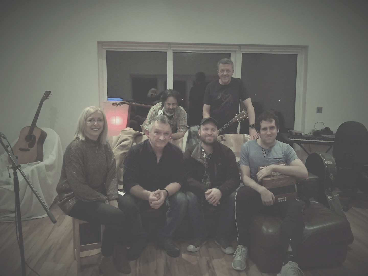 CANCELLED - Enda Haran & Band Woodmount Sessions